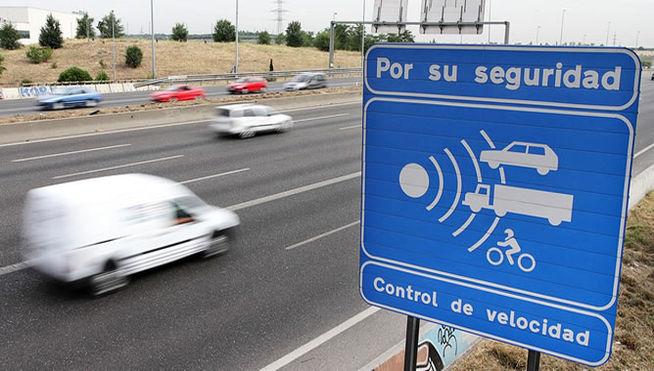 Control-velocidad-DGT-autovia-radar_MDSIMA20140508_0361_21